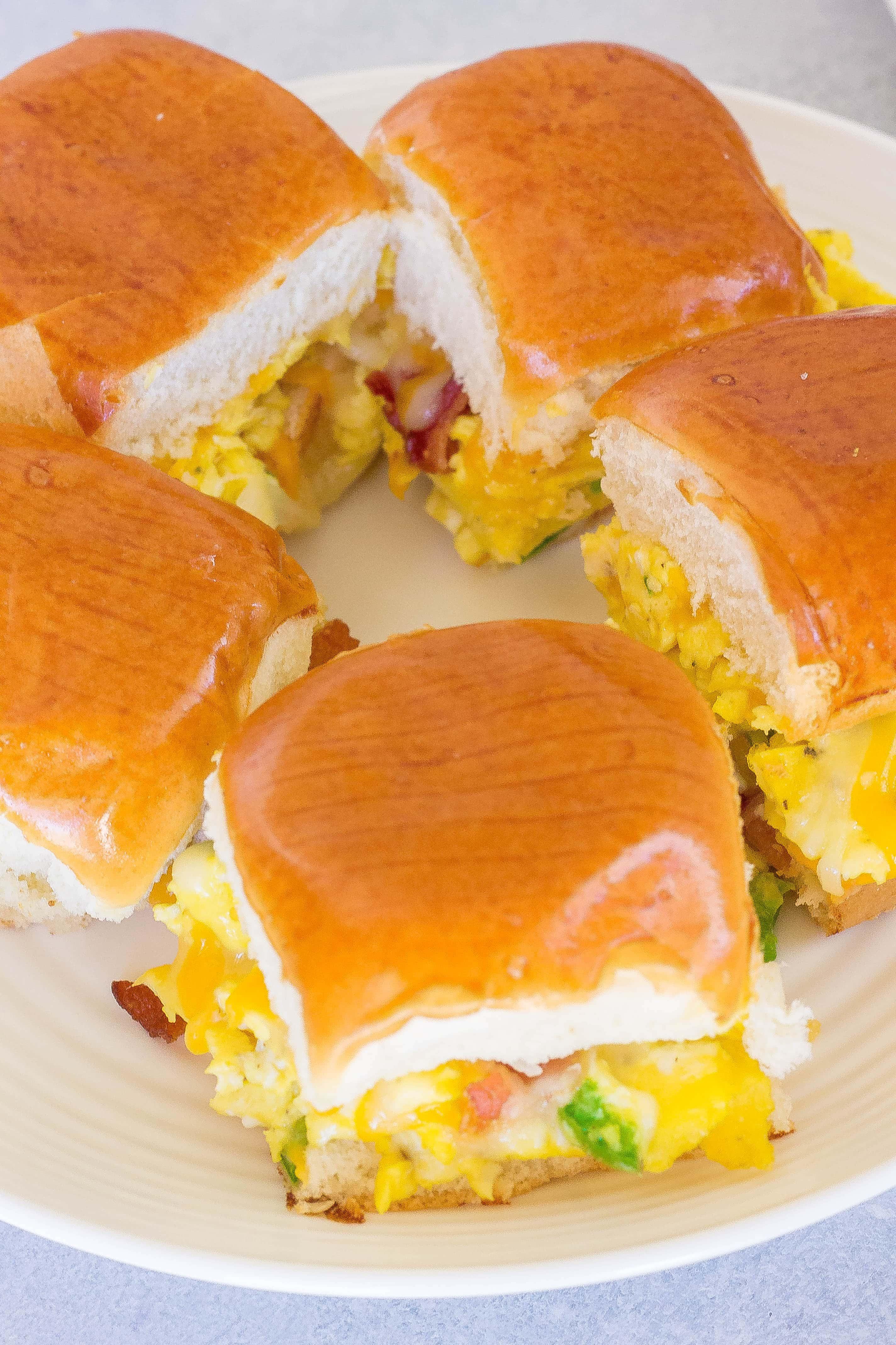 Cheesy Egg & Bacon Breakfast Sliders
