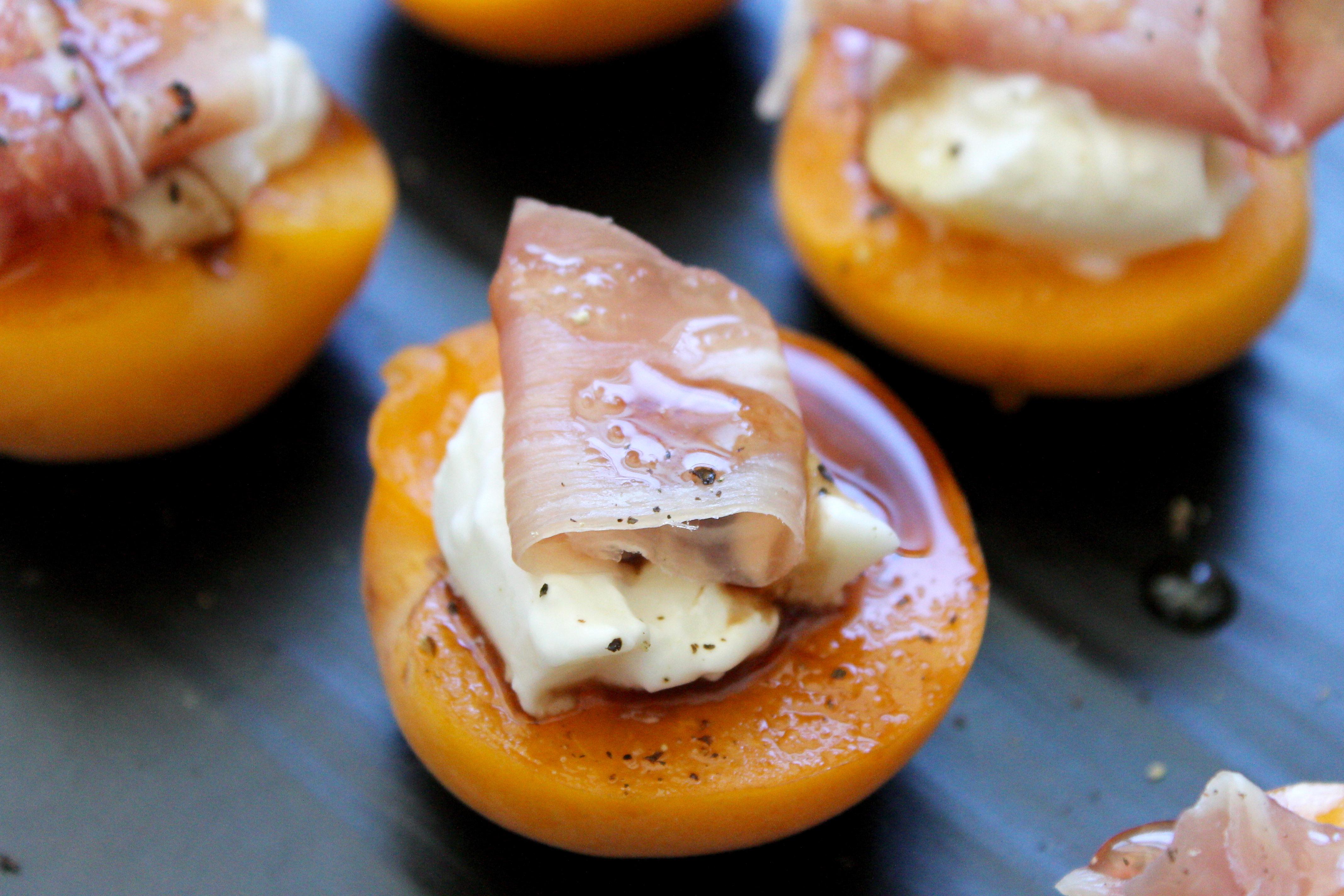 apricot prosciutto appetizer