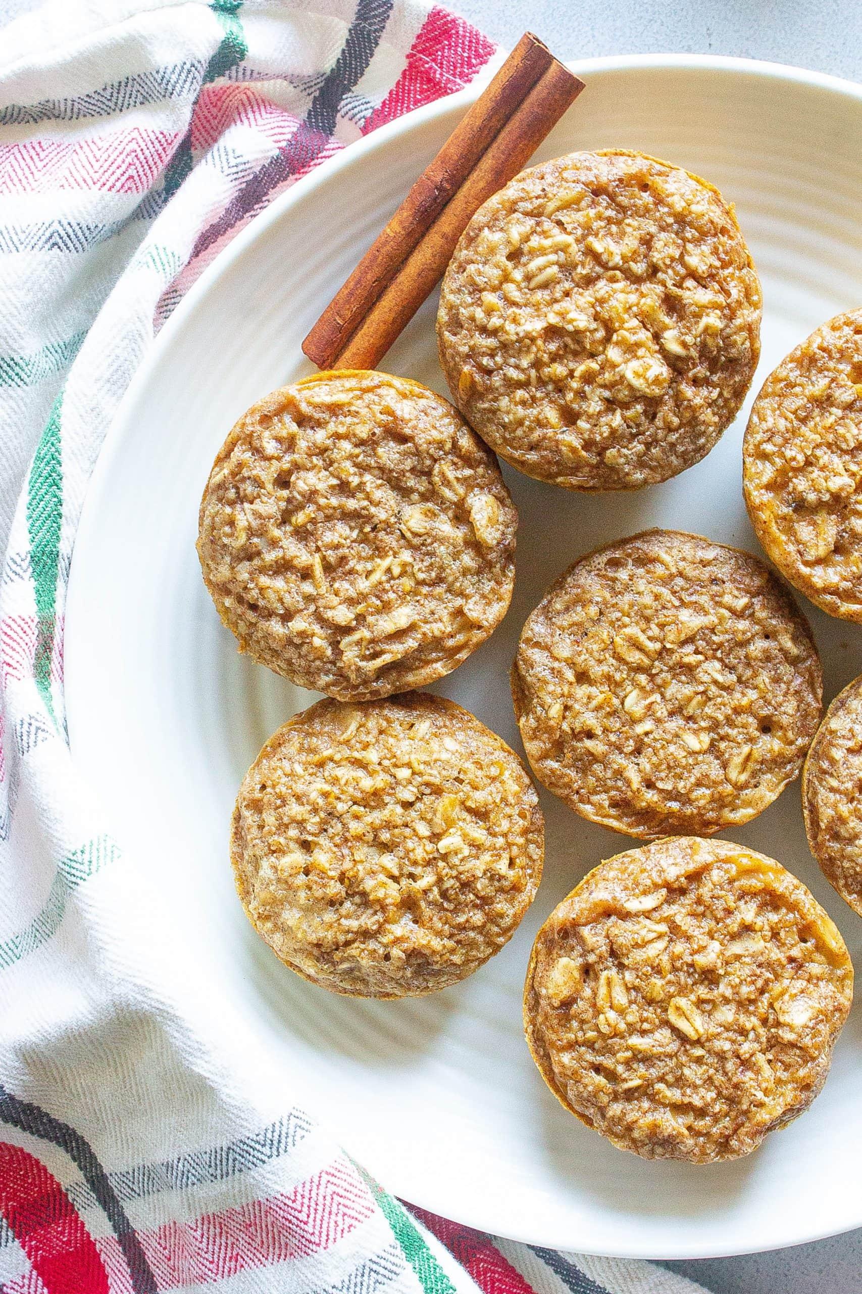 Healthy Gingerbread Oatmeal Bites