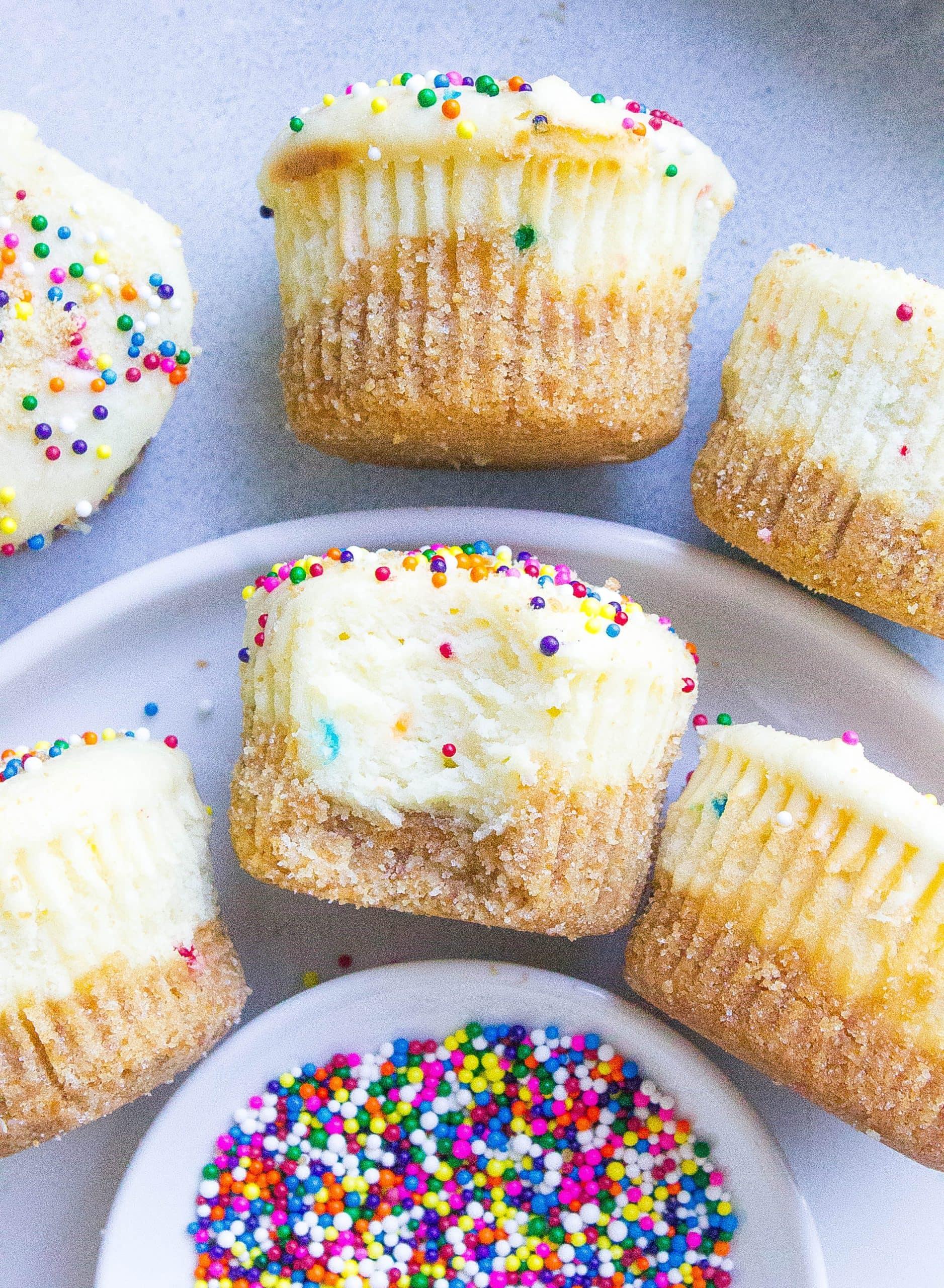 Funfetti 'Dunkaroo' Cheesecake Bites