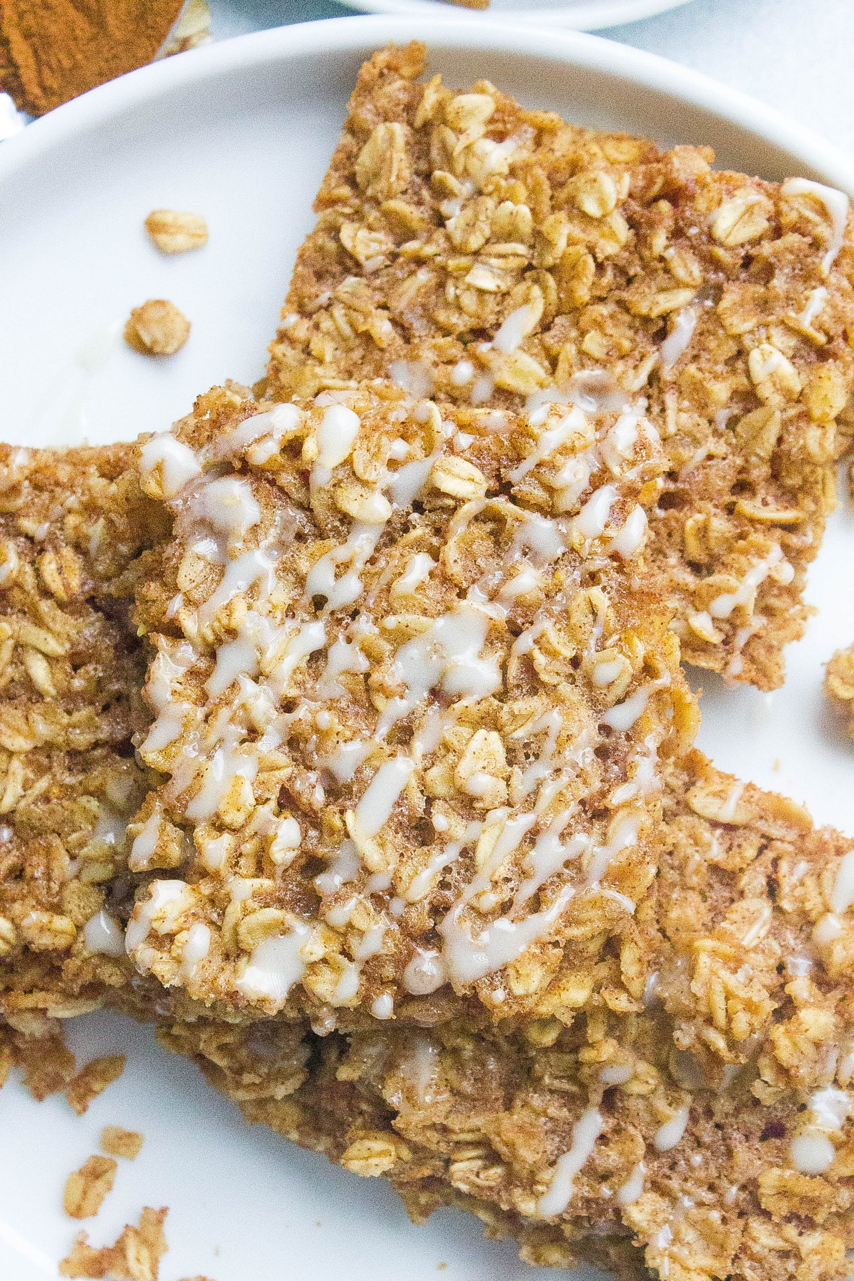 Cinnamon Roll Oatmeal Bake