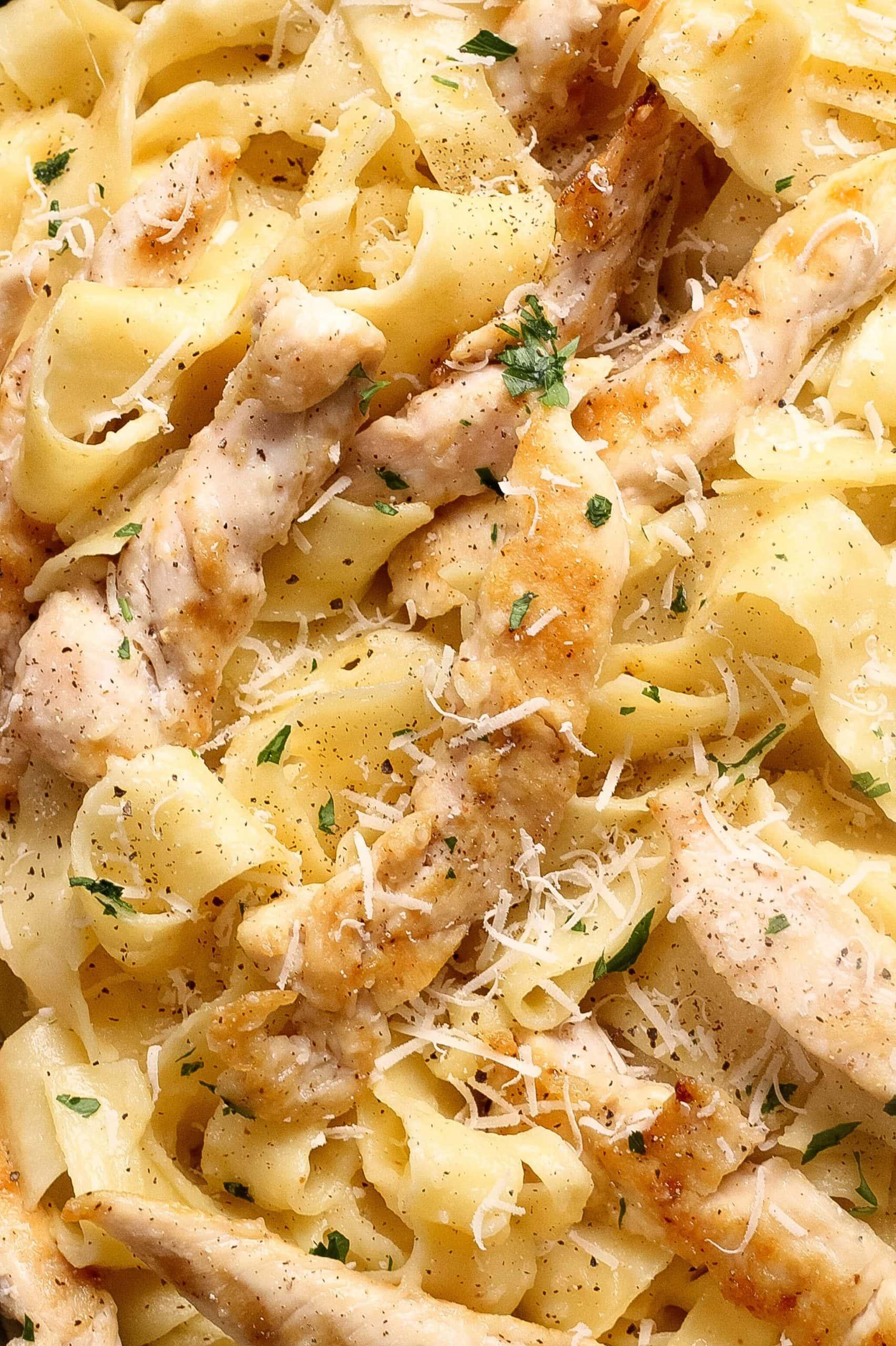 Creamy Chicken Alfredo Pappardelle