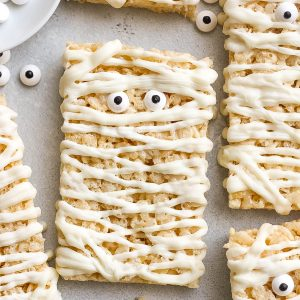 Mummy Rice Krispie Treats (fun for kids to make)