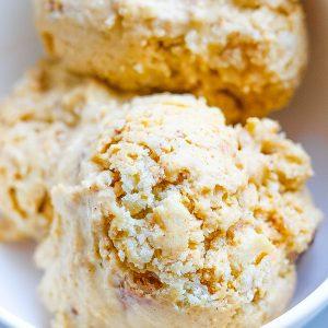 Easy Pumpkin Pie Ice Cream with Cinnamon Crust
